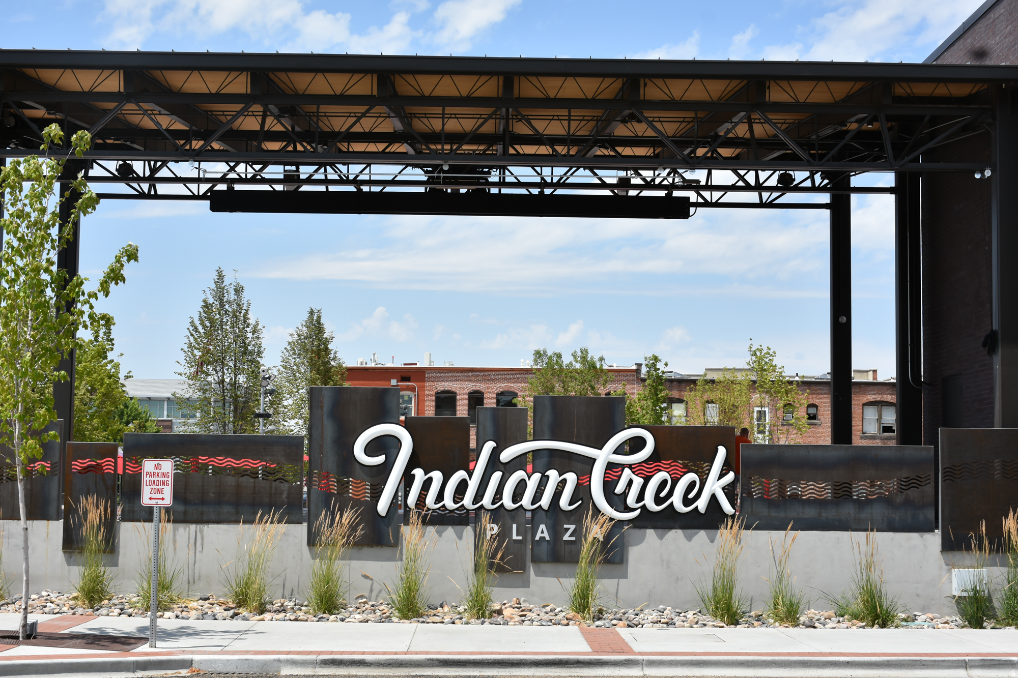 Indian Creek Plaza Entryway Sign